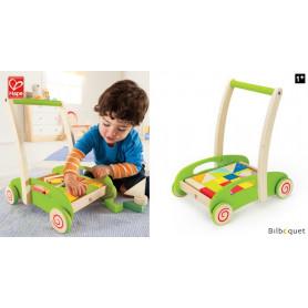 Chariot de marche avec blocs de construction en bois